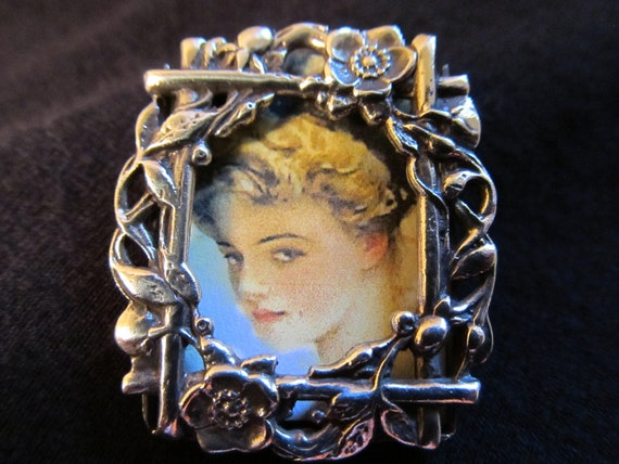 Sterling Picture Frame Brooch Antique Floral
