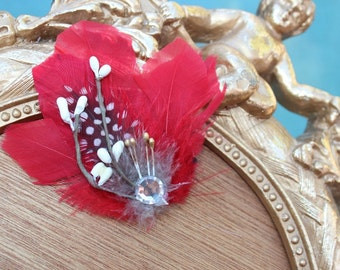 Cute   feather  clip red   color