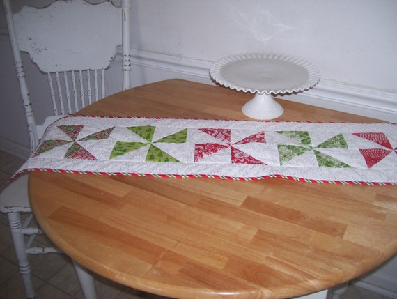 Christmas Table Runner Topper- Reversable Pinwheels