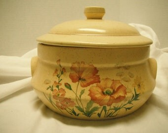 Vintage Treasure Craft casserole, wildflower
