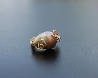 silver 925 wire wrapped ring with grey freshwater baroque pearl