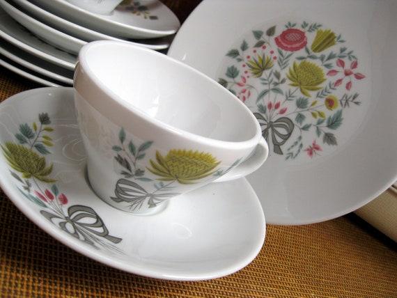 12 Piece 1950s Tea Set Kenmark China Strawflower Cups Saucers