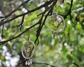 White dreamcatcher earrings - wooden beads - plastic leaves