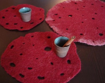 Wine red placemats/coasters