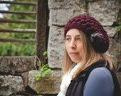 Maroon slouch hat beanie with gray flower