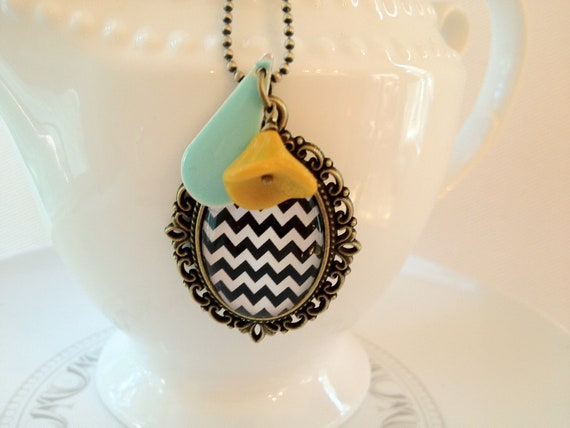 Black & White Chevron Necklace