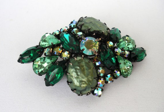 Classic Vintage 1950s-1960s brooch with lime green baroque pearl, and emerald green and Aurora Borealis rhinestones