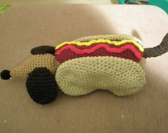 Dachshund in a Hot Dog Bun Pattern  This is a PDF pattern only-instant download