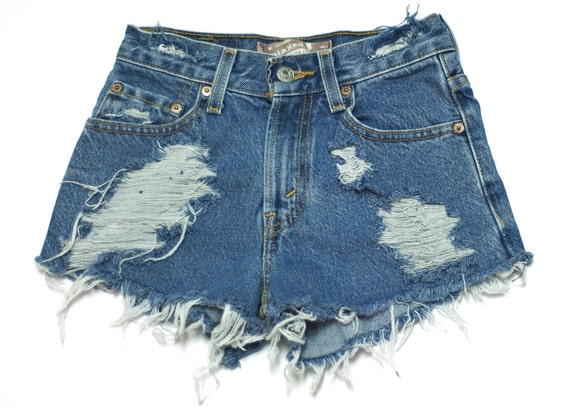 Highwaisted plain denim cutoff shorts