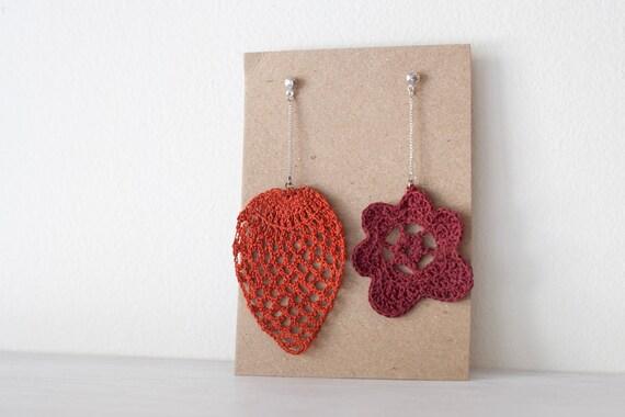 Silver earrings with crochet pendants
