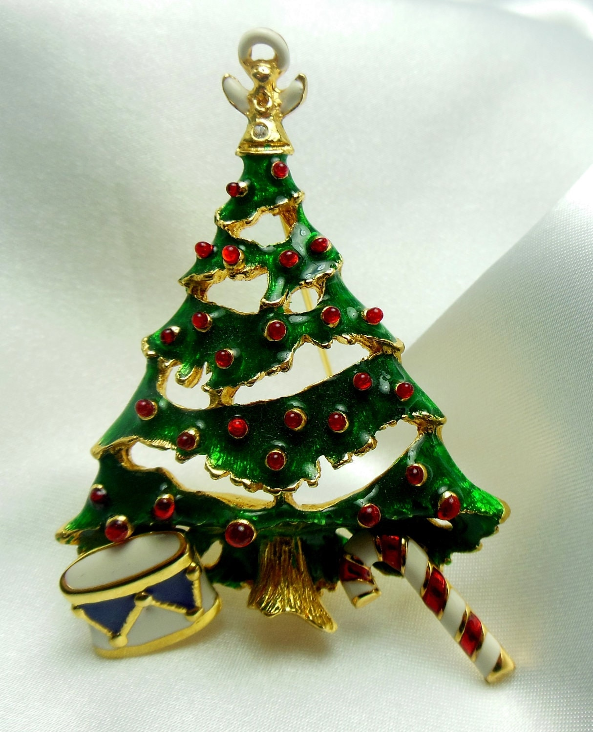 Vintage Christmas Tree: Vintage Christmas Tree Brooch With Attached Earrings