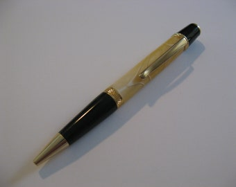 Gold and White Swirl Twist Pen