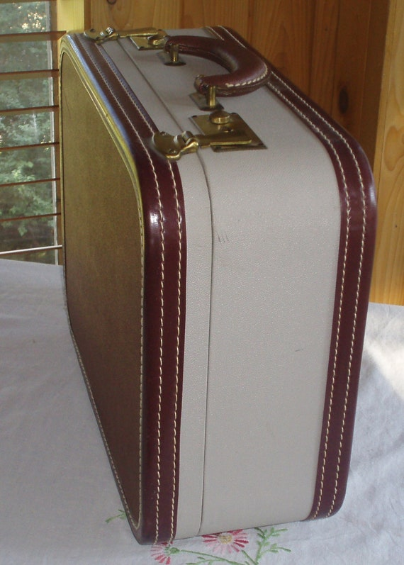 1940s Skyway Suitcase, Burgundy and Bone, Beautiful Vintage Condition