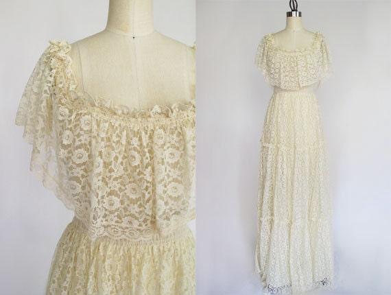 Maxi lace dress / vintage dress