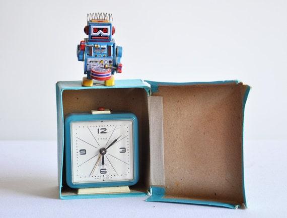 Vintage Unused White USSR Vit Yaz Alarm Clock