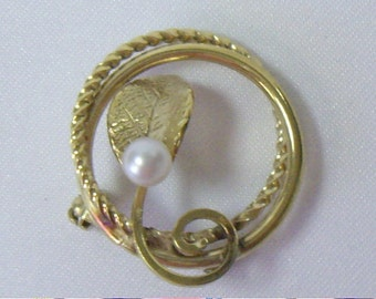 Vintage WELLS Genuine Pearl 14K Gold Filled Circle Brooch Pin
