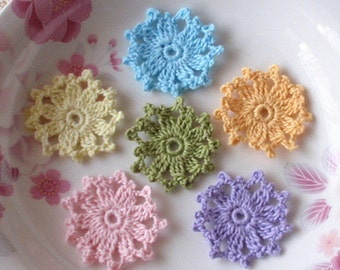 6 Crochet  Flowers In 1.5 inches YH - 095