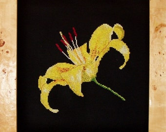 """Cross Stitch Instant Download Pattern """"Yellow Lily"""" Counted Embroidery Chart. Floral, Asian Lily Design. X Stitch. DIY Home Decor."""
