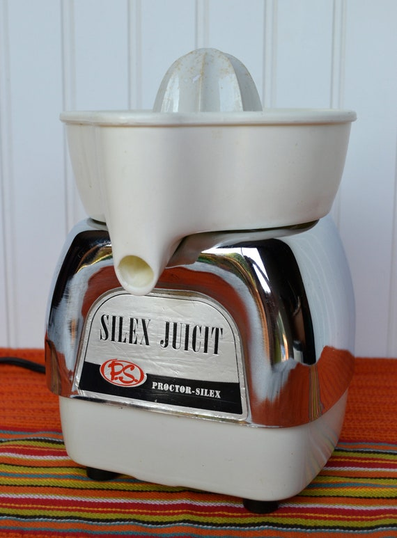 Proctor Silex JUICIT  Vintage Juicer, Shiny Chrome and Works Great