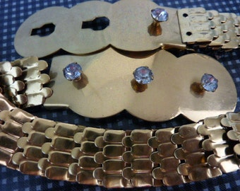 VINTAGE STRETCHY gold elastic  BELT with rhinestones and snakey scales