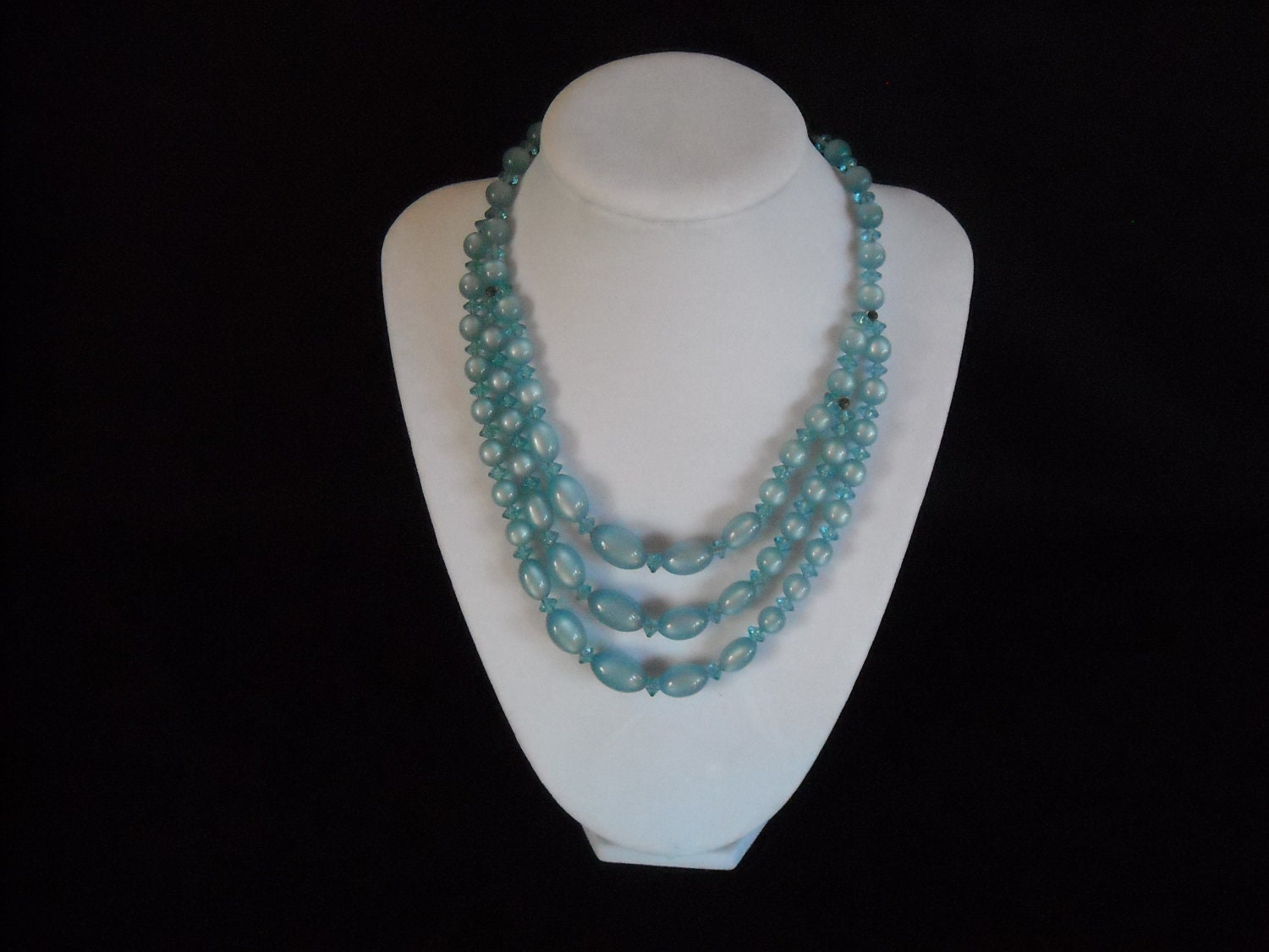 vintage baby blue moonglow necklace no by ladygirlsboutique