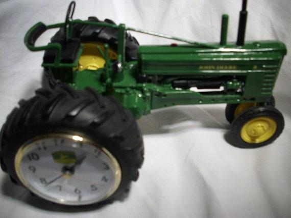 John Deere 1948 Model B Tractor Clock