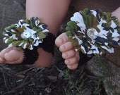 Shoozies, Baby Barefoot Sandals, Baby Shoes, Baby Footwear: Green Camo Flower on Black Lace