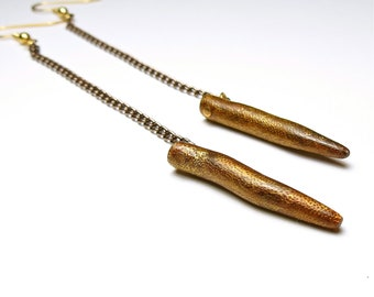 Long chain point earrings
