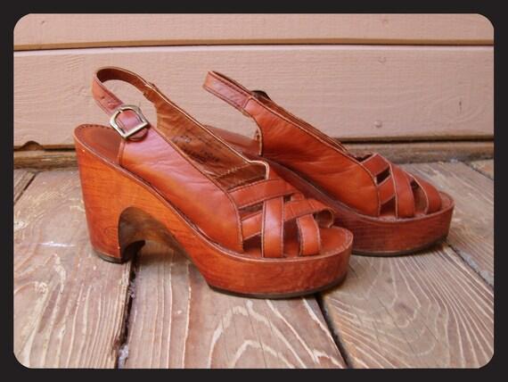 70s Brown Wooden Leather Platform Wedge Sandals Hippie Disco Boho Size 6.5 7