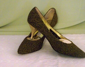 Vintage Casadei Pump - Gold And Black Mesh -  Made In Italy - Size 7 1/2 M - 2 1/2'' Heel