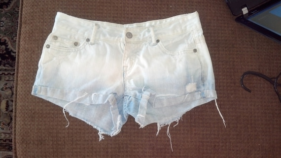 Light-Colored bleached shorts