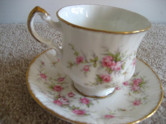 English tea Cup and Saucer Paragon Victoriana Rose Bone China