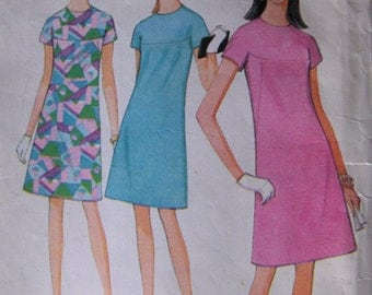 1960s Vintage Sewing Pattern  McCall's 8662  Misses' Size14  Dress