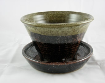 Planter with Attached Water Dish