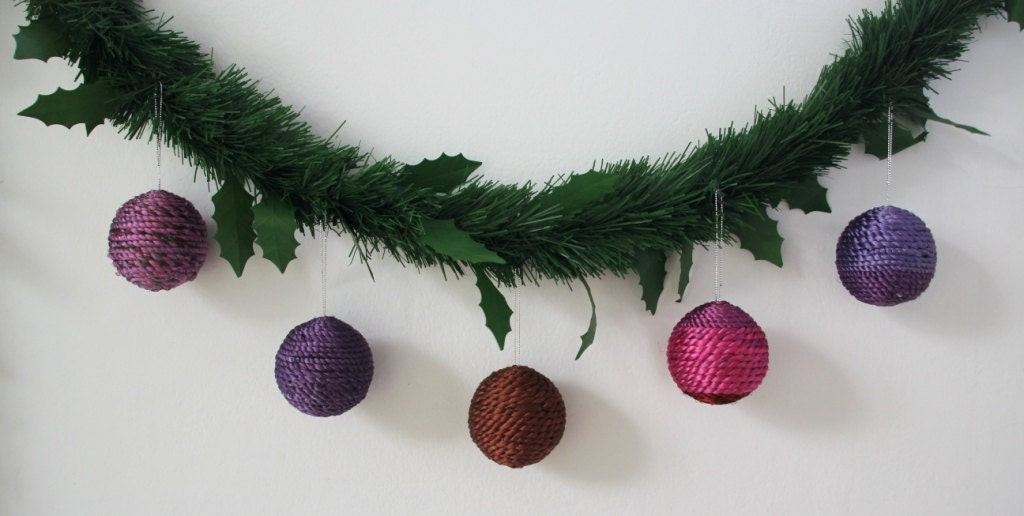 Handmade Thai silk Christmas spheres decoration set in different colours