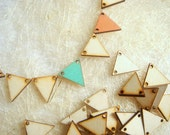 25 Laser Cut  Wood Triangles Ready to be Painted,  Unfinished Wood Triangles Tile for Jewelry,Geometric Jewelry, wood Triangles 4mm,