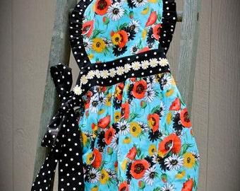 Vintage-inspired polka dot apron