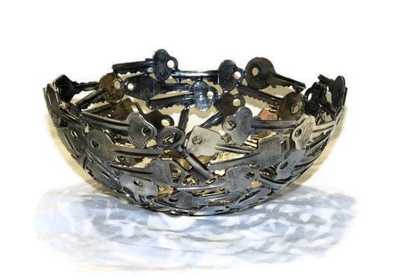 Medium key bowl 9, Key bowl, Metal sculpture ornament