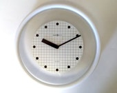 Vintage Howard Miller Wall Clock White & Transparent