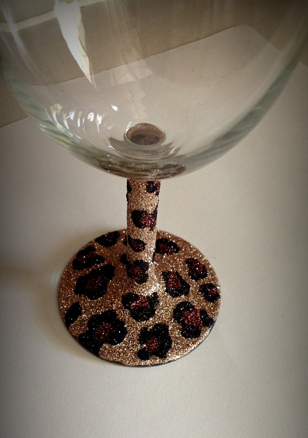 Wine glass glitter cheetah print by glittersgalore on etsy How to make wine glasses sparkle