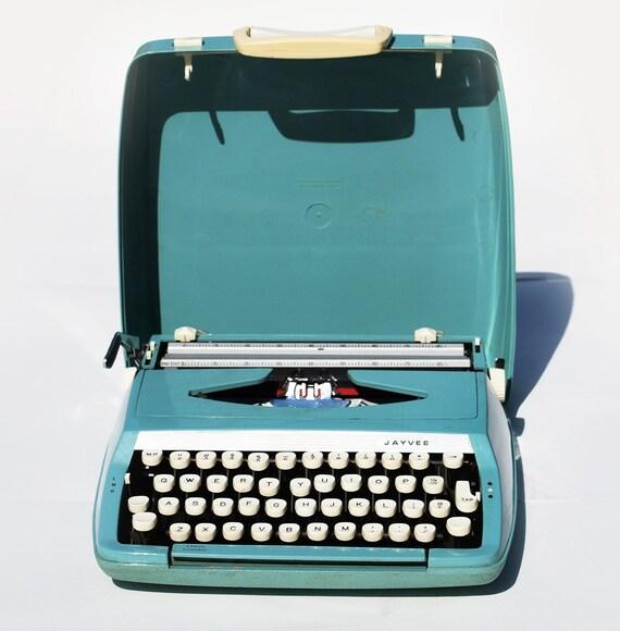 Jayvee Portable Typewriter, mid century modern Penncrest JC Penny vintage blue