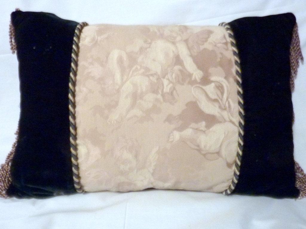 velvet pillows dark green velvet decorative pillow 12x18. Black Bedroom Furniture Sets. Home Design Ideas