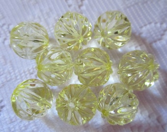 9  Yellow Faceted Ribbed Round Acrylic Beads  15mm