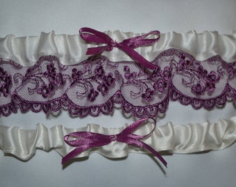 Ivory & Lilac Lace Garter