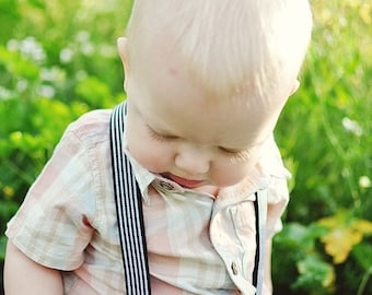 boy suspenders..black white stripe suspenders..baby boy suspenders..toddler suspenders..boy accessories..photographer prop..kids suspenders