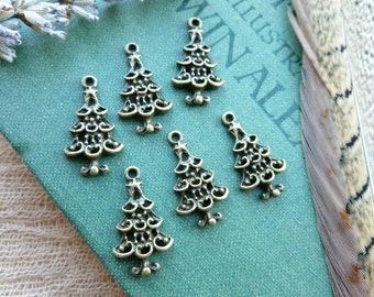6x Christmas Tree Charms, Antique Brass Pendants C07