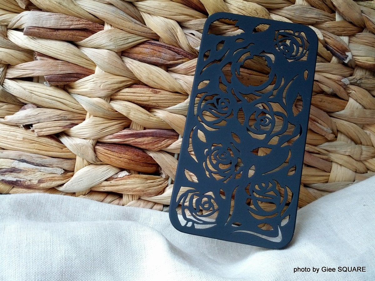 Vintage Carved HOLLOW CUT Rose Pattern in BLACK - iPhone 4s Cover by GieeSQUARE