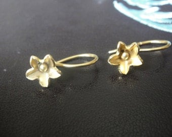 2 pc.Vermeil, 18k gold over 925 sterling silver earring finding, vermeil flower earrings, flower earrings, gold earring finding