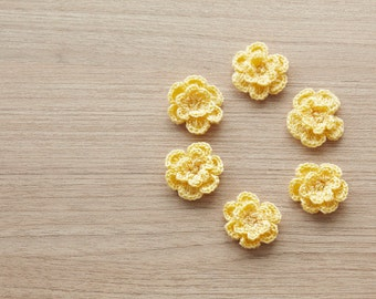 6 pcs of pale yellow crocheted flowers, 24mm