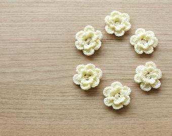 6 pcs of cream crocheted flowers, 24mm